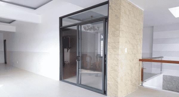 Cửa nhôm xingfa trượt - đơn giản, tiện dụng, tiết kiệm không gian (ảnh minh họa)