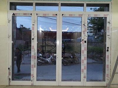 Cửa nhôm Xingfa 4 cánh đẹp màu trắng sứ