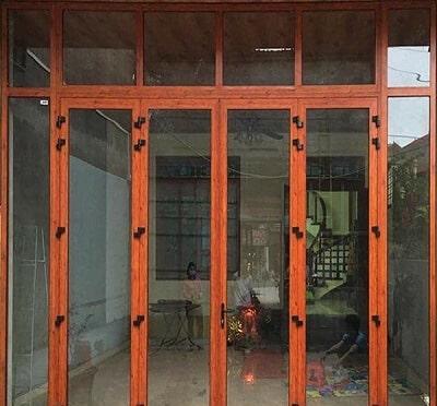 Cửa nhôm Xingfa 4 cánh đẹp dùng bản lề 3D Kinlong