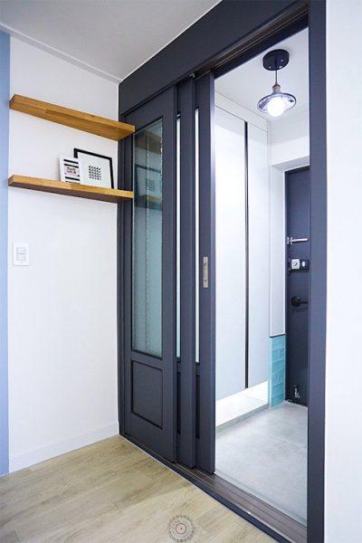Cửa lùa 3 cánh thêm phong cách sang trọng cho phòng tám