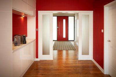 Sử dụng cửa lùa 2 bên phân chia hành lang và sảnh