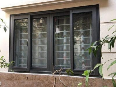 Cửa sổ nhôm Việt Pháp mở trượt màu ghi