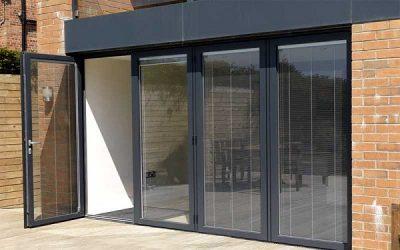 Cửa nhôm Xingfa 4 cánh hệ 55: Mẫu cửa được nhiều khách hàng chọn lắp đặt cho mặt tiền nhà ống, nhà phố.