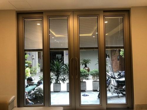 Cửa nhôm anode niken được sử dụng cho nhà phố