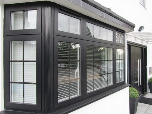 Cửa sổ mở quay là một trong nhiều sản phẩm được chia đố nhiều nhất trong tất cả các loại cửa