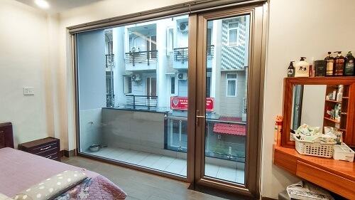 Cửa nhôm Long Vân được lắp đặt cho nhà phố