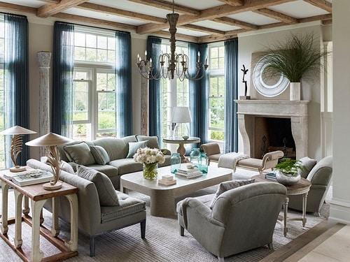 Nhà châu Âu thường hay chú ý đến việc lựa chọn màu sắc và đồ nội thất cho ngôi nhà