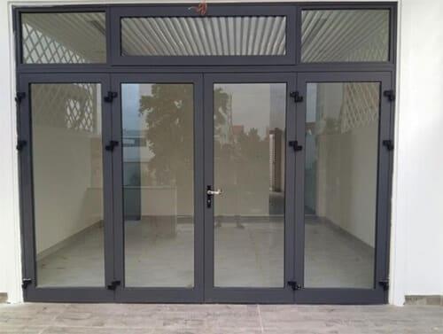 Khung fix được thiết kế cho cánh cửa, làm tăng khả năng chống trộm